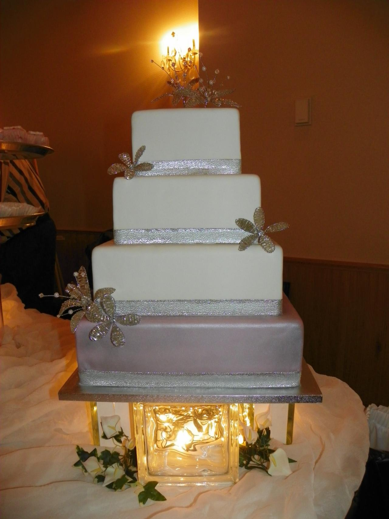 Beck s Crown Bakery Wedding cakes 2